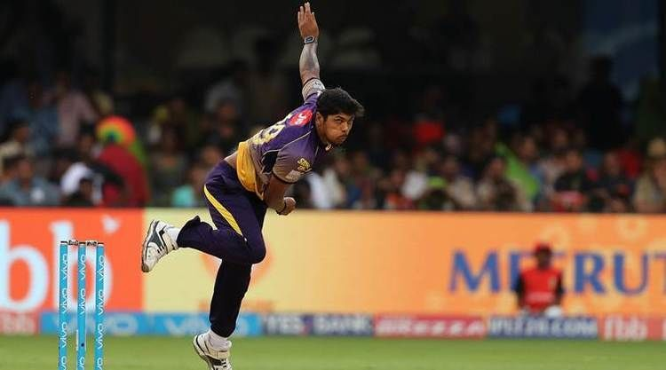 IPL 2017 RCB vs KKR Umesh Yadav falls in delivery stride escapes