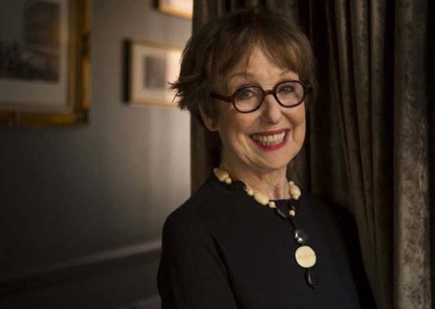 Una Stubbs BBC1 Who Do You Think You Are appearance for Una Stubbs in Welwyn