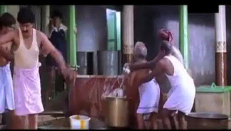 Unnai Thedi movie scenes