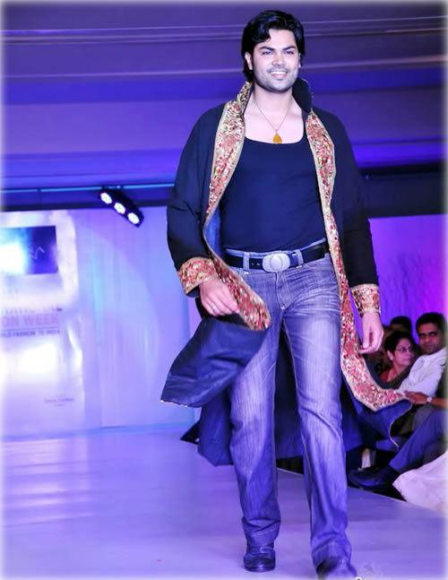 Unnaipol Oruvan (2009 film) Unnaipol Oruvan star returns to his first love Tamil Movie News