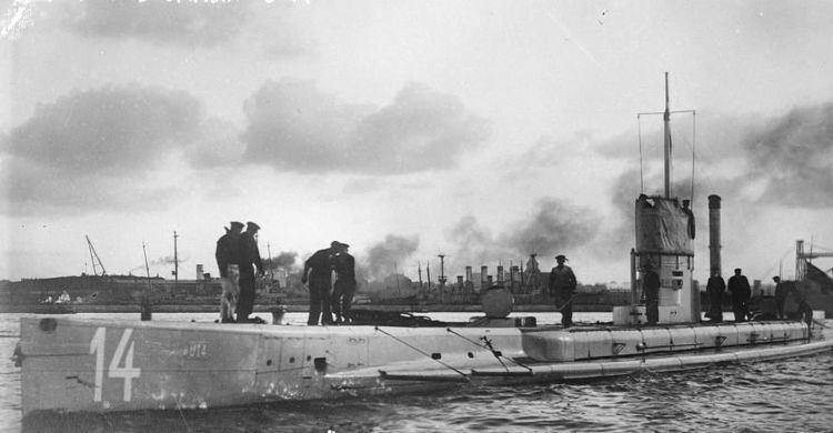 Unrestricted submarine warfare Unrestricted submarine warfare Wikipedia