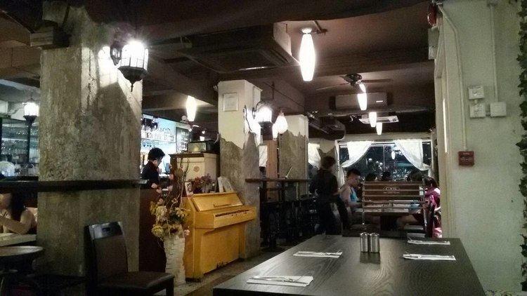 Upstairs Cafés in Hong Kong