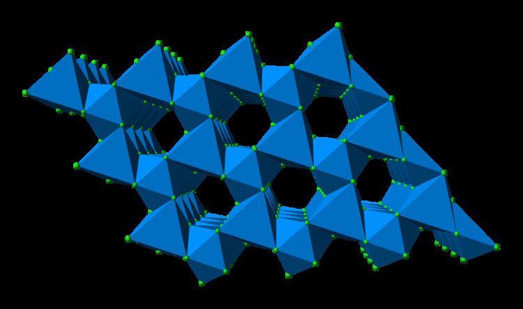 Uranium(III) chloride httpsuploadwikimediaorgwikipediacommonsdd