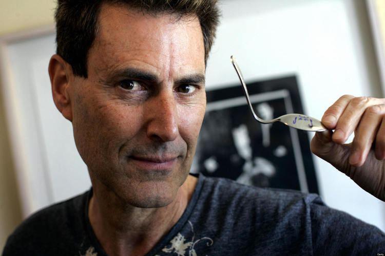 Uri Geller Uri Geller Documentary Claims That Spoonbending Psychic