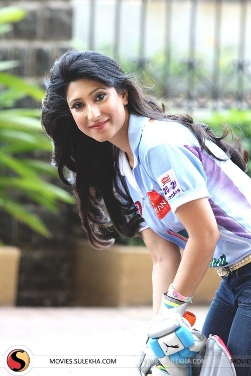 Urvashi Chaudhary Page 7 of Urvashi Chaudhary Brand Ambassador of CCL Shoots