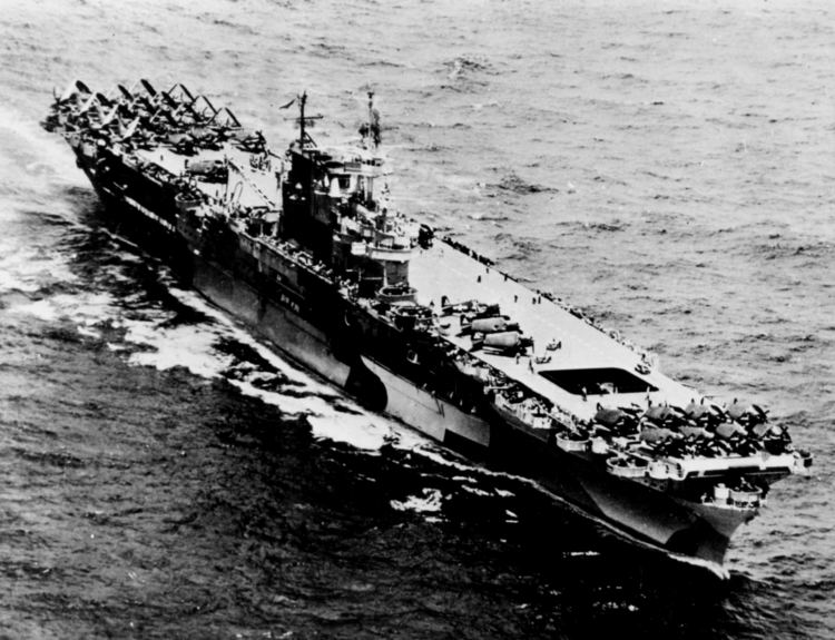 USS Enterprise (CV-6) FileUSS Enterprise CV6 off Pearl Harbor August 1944jpeg
