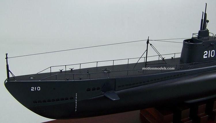 USS Grenadier (SS-210) USS Grenadier SS210 Gar class submarine Model airplanes ships