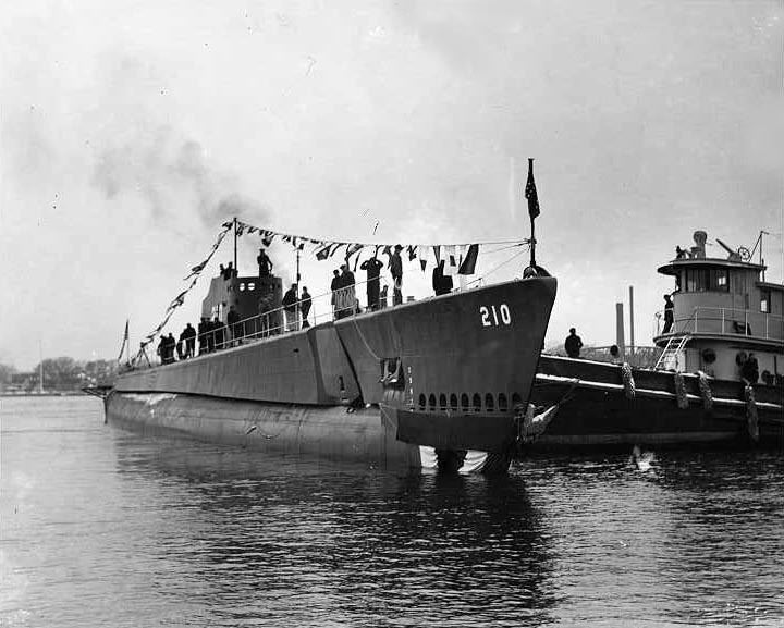 USS Grenadier (SS-210) Submarine Photo Index