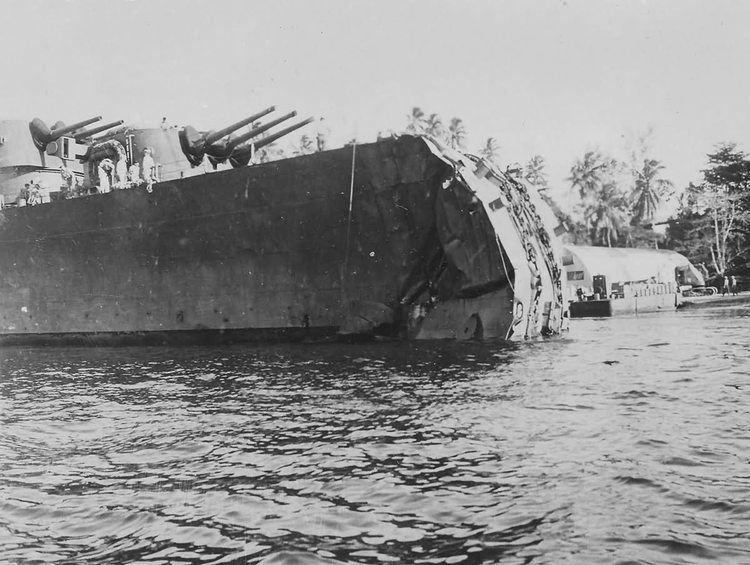 USS Honolulu (CL-48) Cruiser USS Honolulu CL48 lost bow in battle of Kolombangara 1943