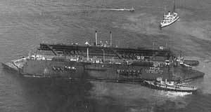 USS Shaw (DD-373) USS Shaw DD373 and drydock YFD2 during the Japanese attack on