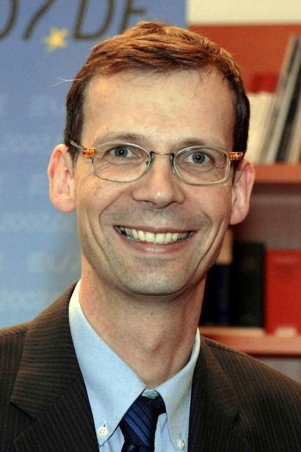 Uwe Corsepius Uwe Corsepius wird Berater von Bundeskanzlerin Merkel
