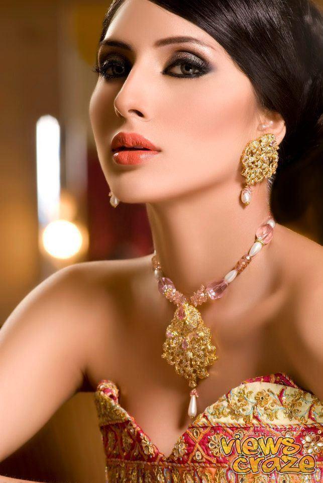 Uzma Khan Pakistani Model Uzma Khan wears Aiesha Warsi Portfolio Photo Shoot