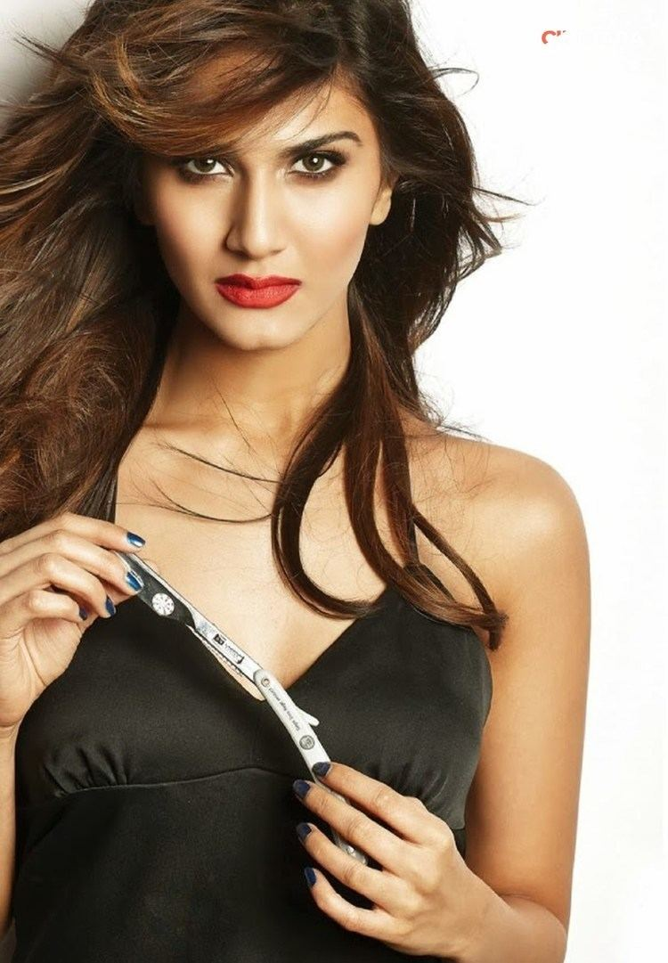 Vaani Kapoor Vaani Kapoor Hot Photoshoot Pics