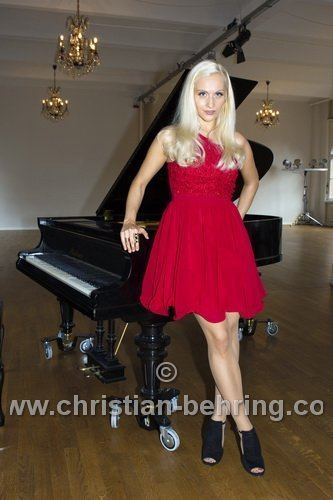 Valentina Babor Classic Revolution meets Piano Princess Redcarpetreports