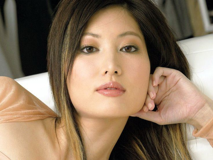 Valerie Chow httpssmediacacheak0pinimgcom736x623ddb
