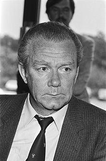 Valeriy Lobanovskyi httpsuploadwikimediaorgwikipediacommonsthu