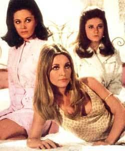 Valley of the Dolls (film) Valley of the Dolls Review 1967 Movie Review Contactmusiccom
