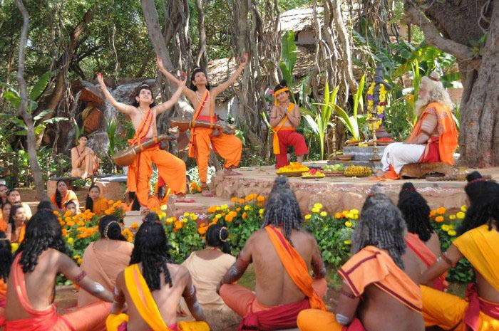 Valmiki (1946 film) movie scenes To start with Master Gaurav Lava and Master Dhanush Kumar Kusha along with Master Pavan Sriram Balaraju Child Hanuman have excelled in every scene