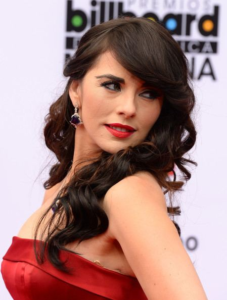 Vanessa Villela Vanessa Villela Photos Arrivals at the Billboard Mexican
