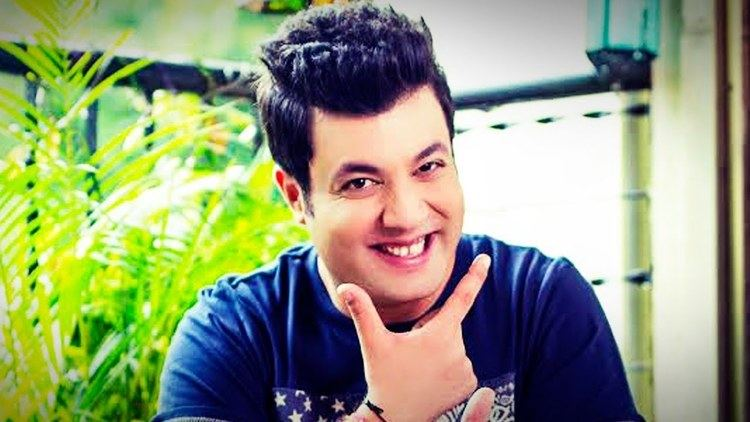 Dilwale actor Varun Sharma gives us 5 EXCITING reasons to watch the