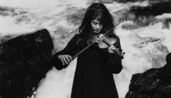 Vashti Bunyan Vashti Bunyan returns with her third and final album