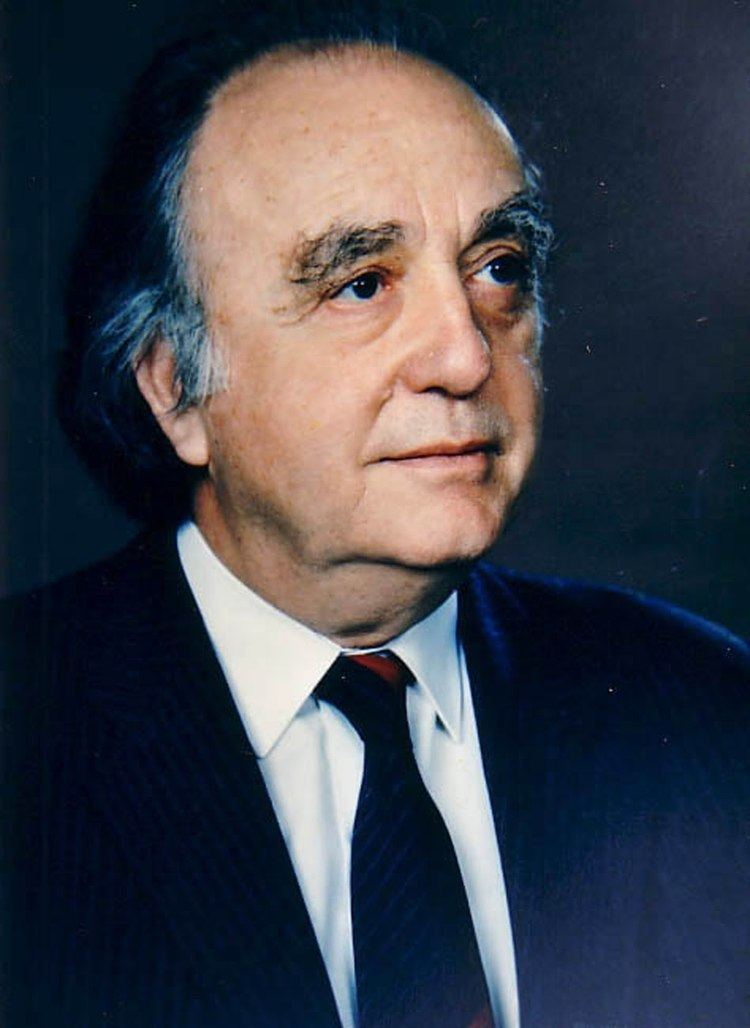 Vassos Lyssarides Dr Vassos Lyssarides 1977 YouTube