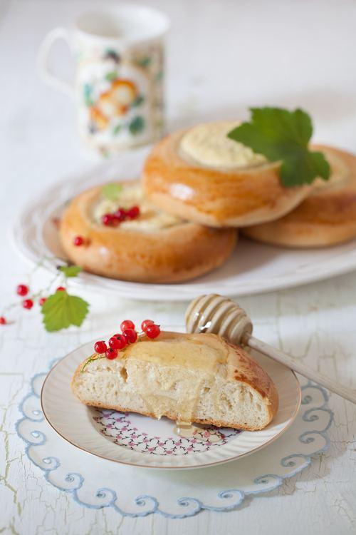 Vatrushka Russian Monday Vatrushka Farmer Cheese Pastry at Cooking Melangery