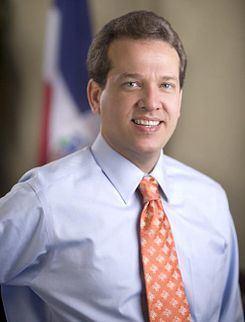 Victor Bisono httpsuploadwikimediaorgwikipediacommonsthu
