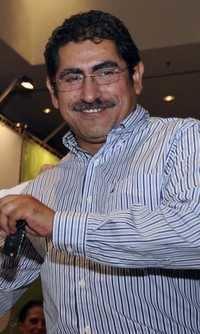 Víctor Manuel Báez wwwjornadaunammx20120615fotos017n1pol1mi