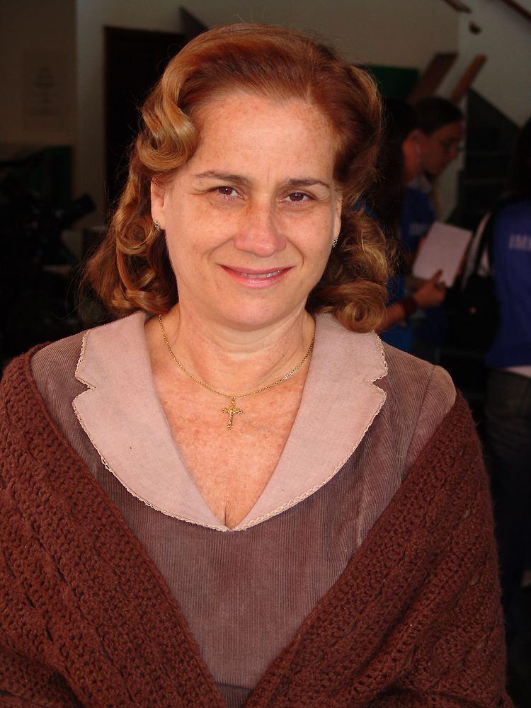 Vera Holtz httpsuploadwikimediaorgwikipediacommons55