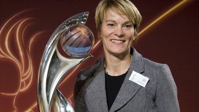 Vera Pauw Pauw marks new deal with win UEFA Women39s EURO News