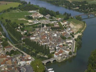 Verdun-sur-le-Doubs wwwfrancevoyagecomvisualscommunesverdunsur