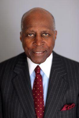 Vernon Jordan Vernon E Jordan Jr to Deliver Syracuse Universitys 2017