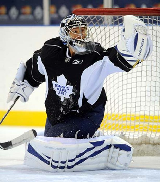 Vesa Toskala Spotlight falls on Toskala in Leafs39 net Toronto Star
