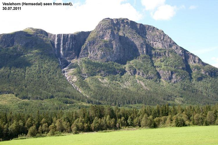 Veslehorn wwwharamfjellcomMountainsMainmountainpagepi