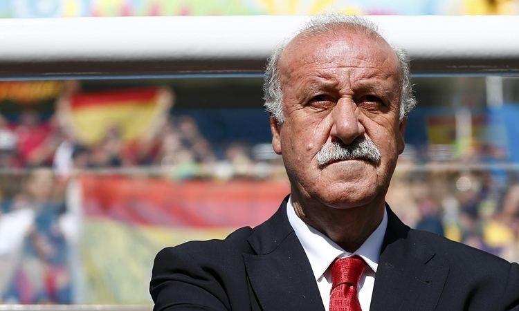 Vicente del Bosque Vicente del Bosque confirms he will continue as Spain