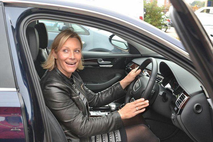Vicki Butler-Henderson Crayford garage run as social enterprise opened by Vicki