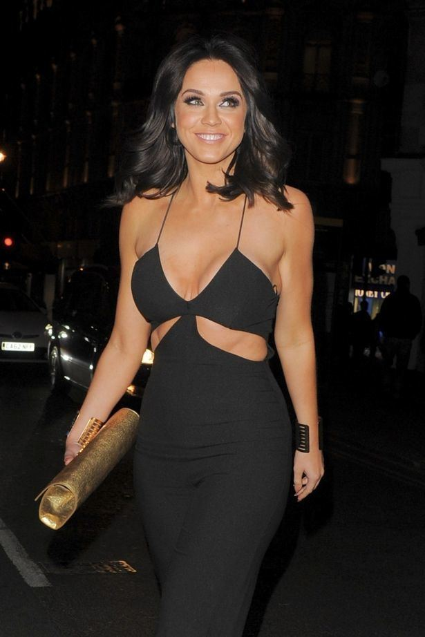 Vicky Pattison Vicky Pattison flaunts rockhard abs and cleavage in