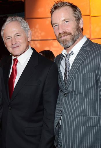 Victor Garber Victor Garber Comes Out quotEverybody Knowsquot Today39s News