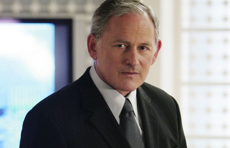 Victor Garber Alias39 Victor Garber Joins The Flash In a Fiery New Role