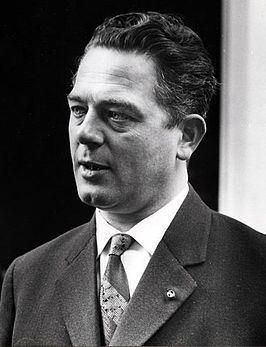 Victor Marijnen httpsuploadwikimediaorgwikipediacommonsthu