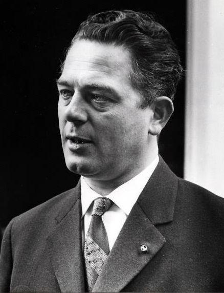 Victor Marijnen httpsuploadwikimediaorgwikipediacommons88