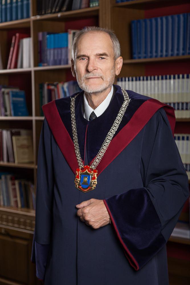 Victor Popa Victor POPA Judectori constituionali Curtea Constituional a