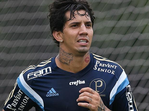 Victor Ramos Victor Ramos escapa de suspenso maior mas continua fora