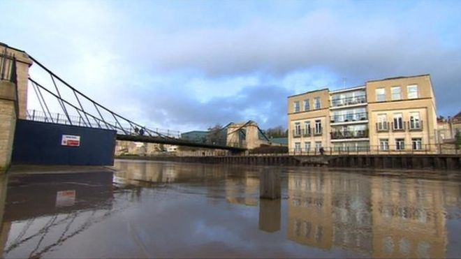 Victoria Bridge, Bath Bath39s Victoria Bridge reopens after 34m repair work BBC News