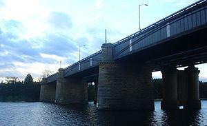 Victoria Bridge (Penrith) httpsuploadwikimediaorgwikipediacommonsthu