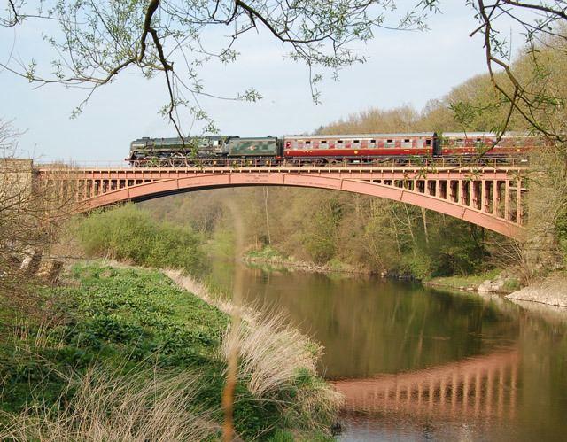 Victoria Bridge, Worcestershire Victoria Bridge SVR BR Class 8P Andy F ccbysa20 Geograph