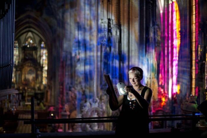 Victoria Coeln Neu im Netz Lichtknstlerin Victoria Coeln GUTE BEZIEHUNGEN