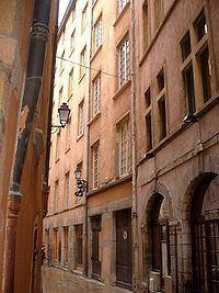 Vieux Lyon httpsuploadwikimediaorgwikipediacommonsthu