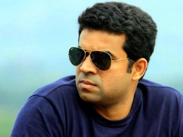 Vijay Babu Vijay Babu To Romance 2 Heroines in Nee Naa Filmibeat